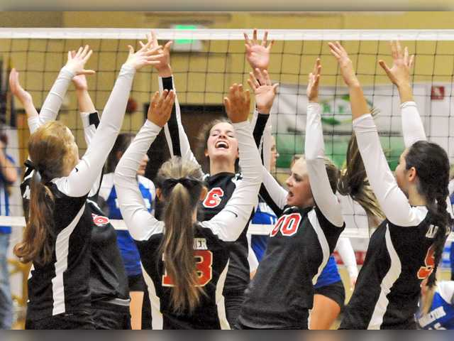 SCCS volleyball starts playoff run with three-game sweep