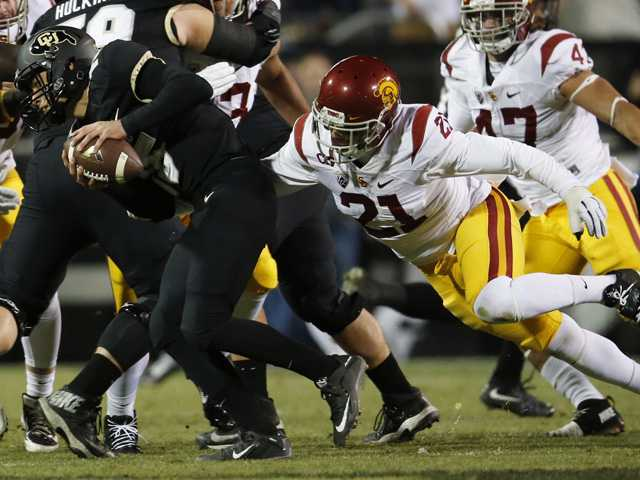 Cade Apsay throws two TDs in loss to USC