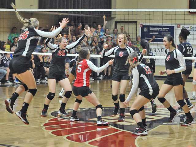 SCCS girls V-Ball advances to 2nd straight final