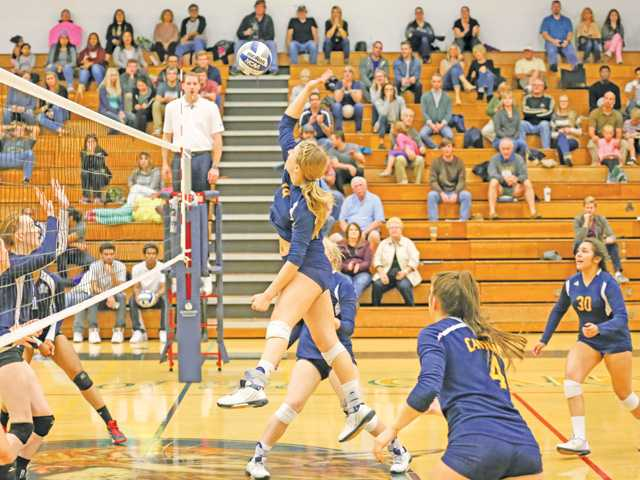 COC Insider: Cougar women's soccer, volleyball headed to playoffs