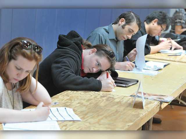 Santa Clarita's jobless rate declines again