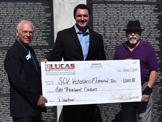 Business owner donates $1,000 to Vets