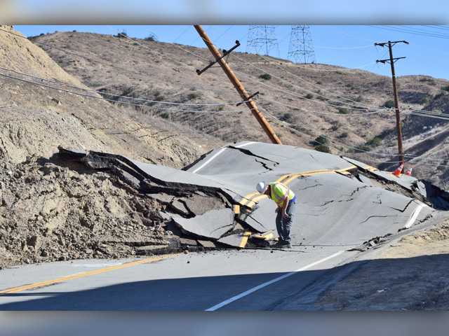 UPDATE: SCV canyon road continues to crumble