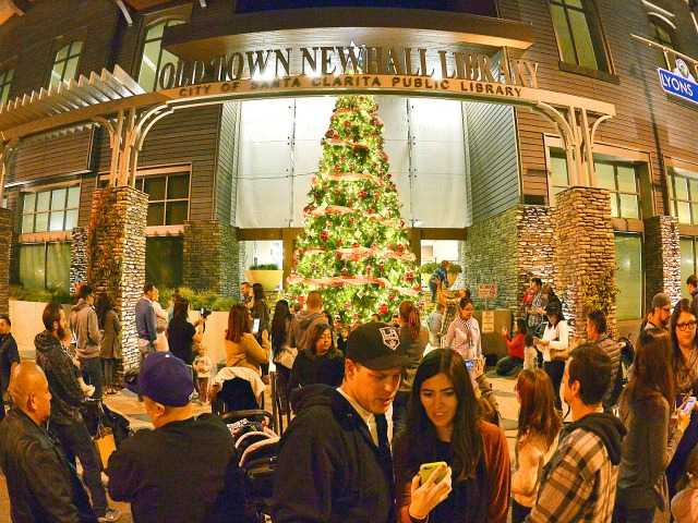 CORRECTION: Newhall streets lit up at annual event Saturday