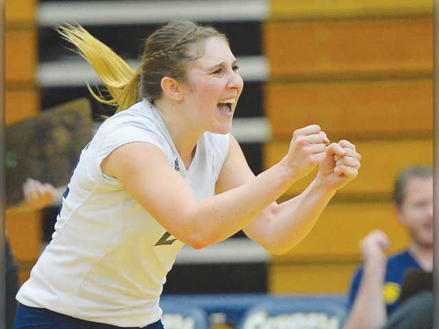 COC volleyball sweeps Ventura in CCCAA playoffs