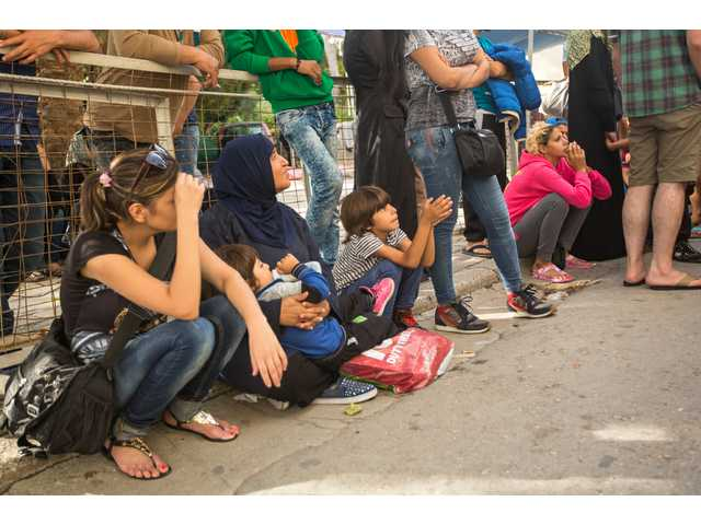 Faith groups react to efforts to keep Syrian refugees out of the U.S.