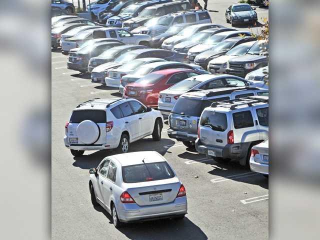 UPDATE: SCV Black Friday draws plenty of shoppers to stores