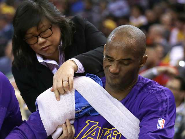 Kobe passes torch, drops out of Rio Olympics consideration