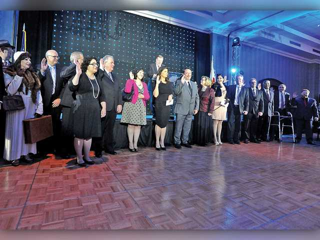Businesses honored as chamber swears in new board