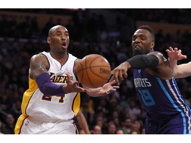 Lakers tie franchise mark with 10th straight loss