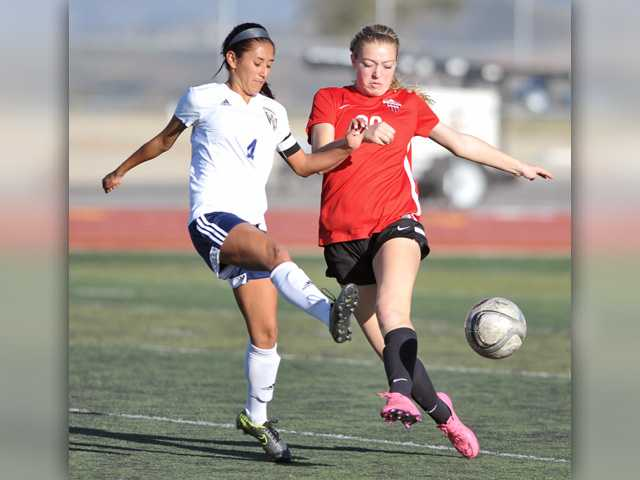Foothill girls soccer roundup: The tie that still binds