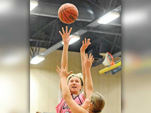 COC women's hoops earns 14th straight victory