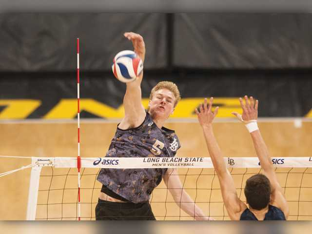3 SCV players featured on highly ranked college V-ball team