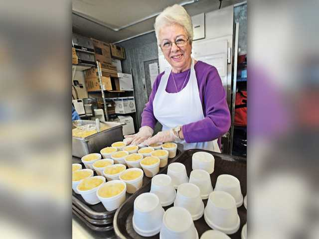 Saugus woman helps bring meals to seniors