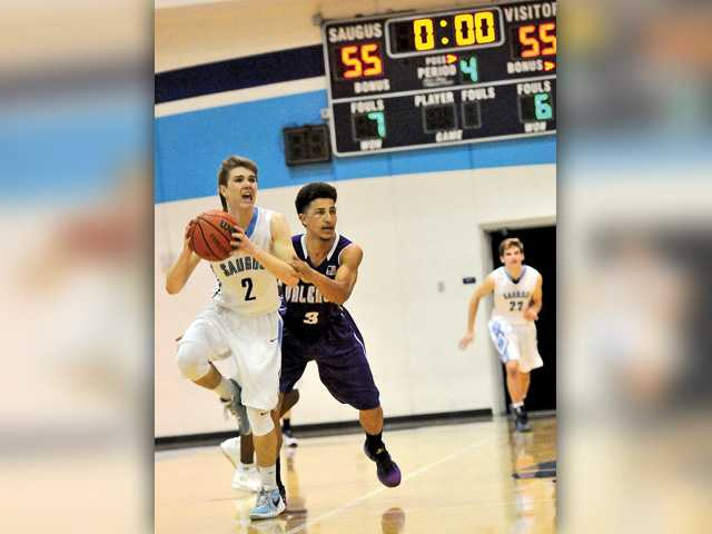 Saugus boys hoops wins on Hail Mary shot