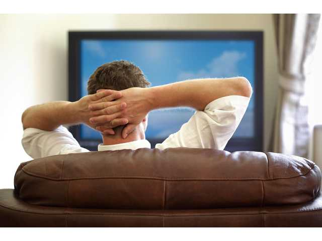11 indisputable signs you watch too much TV