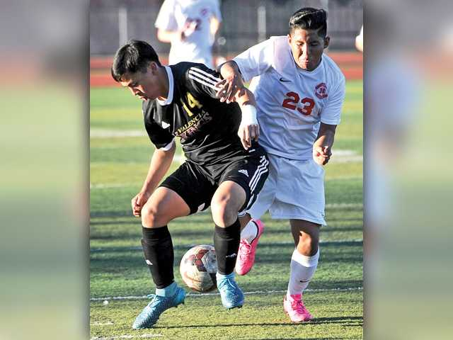 Hart boys soccer wins, but Valencia clinches outright title