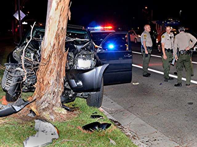 One Injured In Car Vs Tree Crash In Valencia