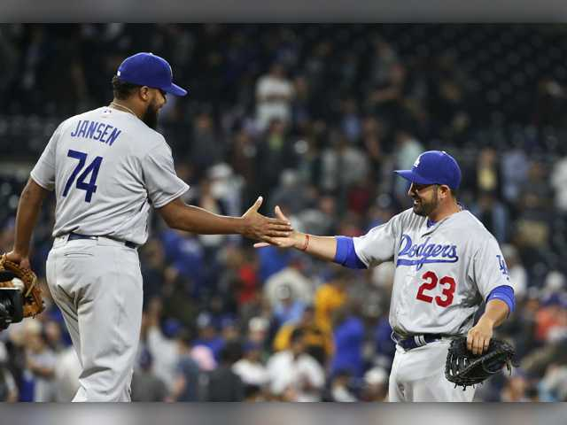 Kazmir helps Dodgers shut out Padres 2nd straight game