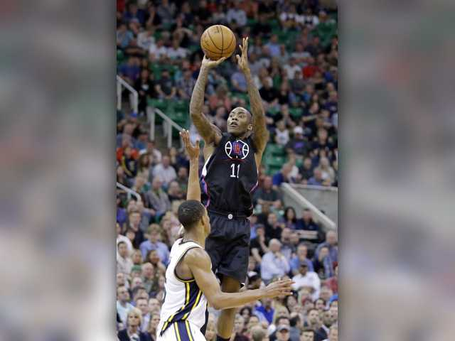 Crawford scores 30, including winner to lead Clippers