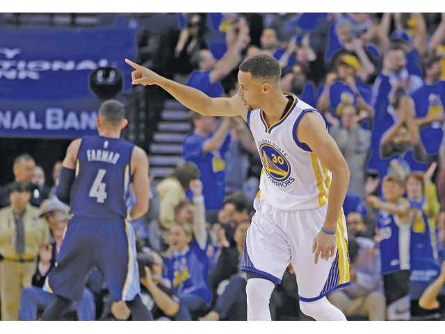Warriors get 73, break NBA record