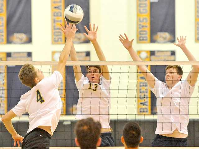 West Ranch boys v-ball claims share of Foothill crown