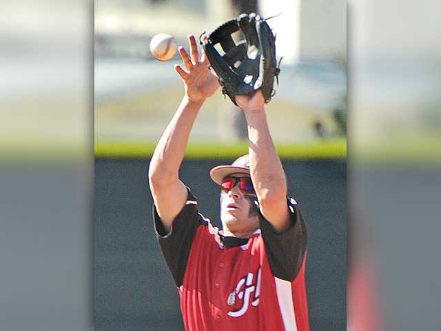 Hart baseball bounces back with rout of Golden Valley