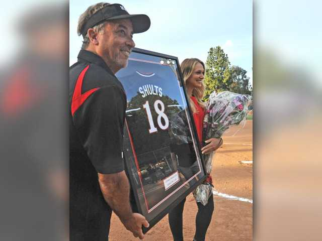 West Ranch softball picks up road win as Hart honors star alumna