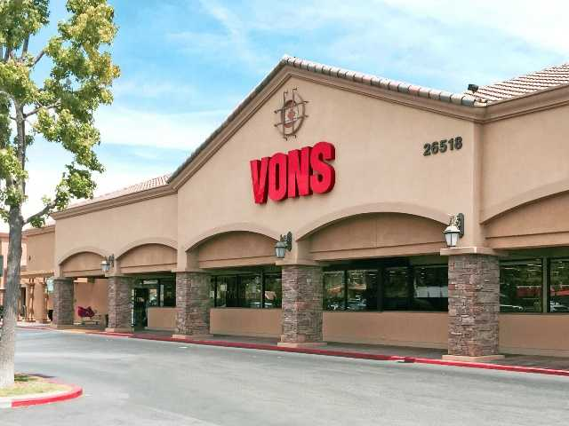 Saugus shopping center sold