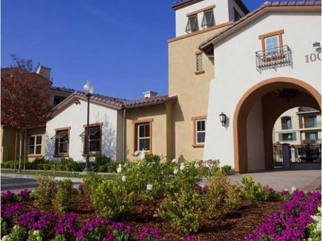 SCV rent increases slow in April