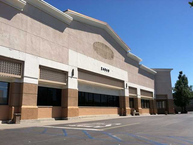 Aldi's grocery store preparing to open in Newhall