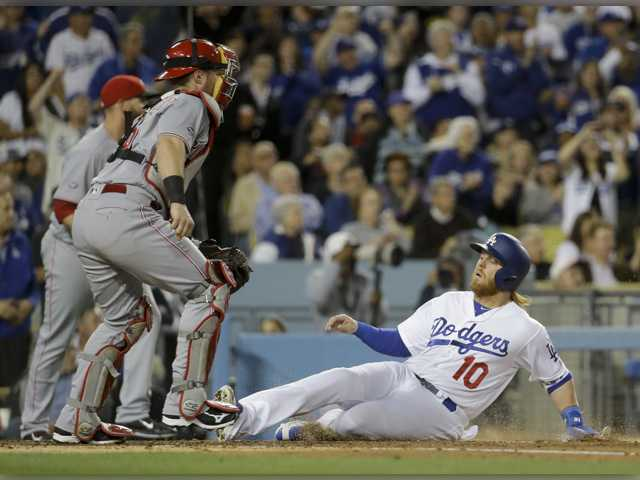 Dodgers sweep lowly Reds