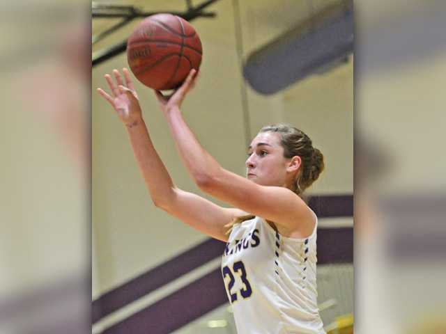 Valencia girls hoops star makes college choice