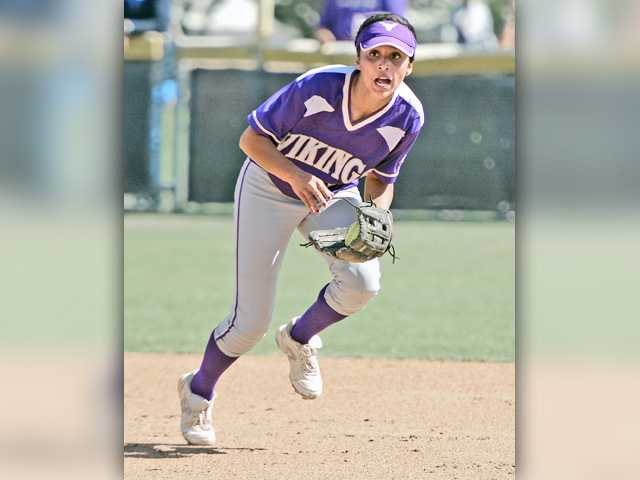 Valencia softball falls to Norco in quarters