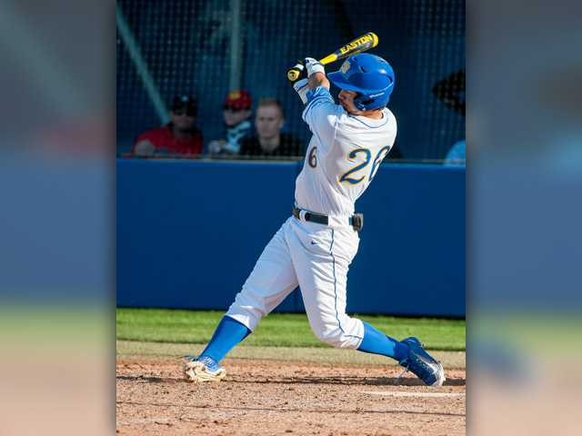 6 with ties to SCV head to College World Series
