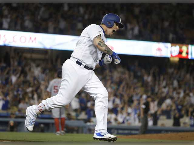 Grandal's 3-run homer lifts Dodgers over Nationals