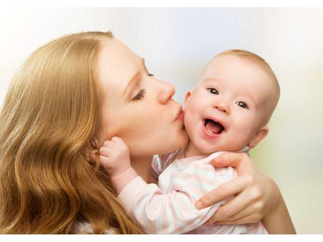 Tender touch, cuddles help babies make it through drug withdrawal