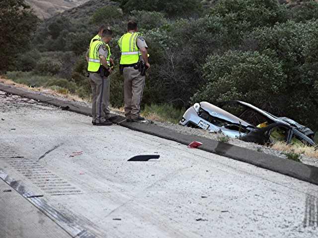 UPDATE: 6 dead in crash on I-5 near Gorman