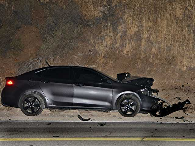 UPDATE: Castaic woman killed, Saugus man injured in early morning head-on crash
