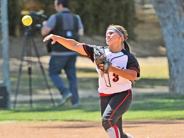 Three SCV softball players earn national recognition
