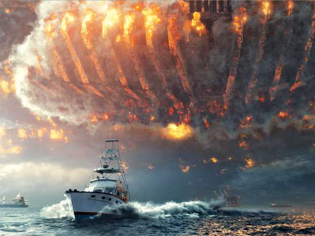 'Independence Day' is a clunky, cliche-riddled alien invasion movie