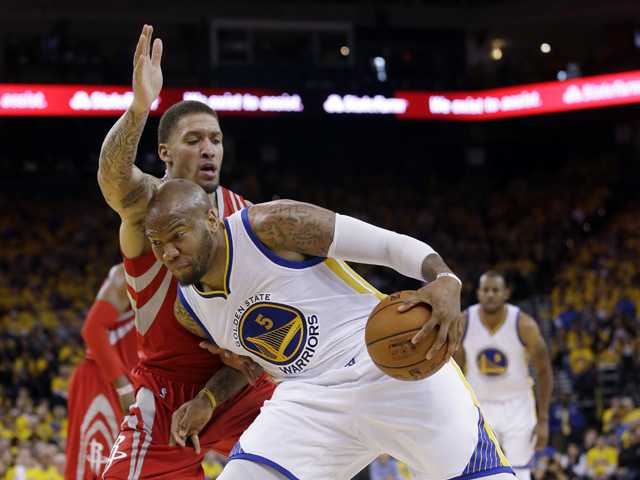 Clippers sign former Warrior