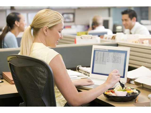 Do you eat lunch at your desk? Better question, should you?