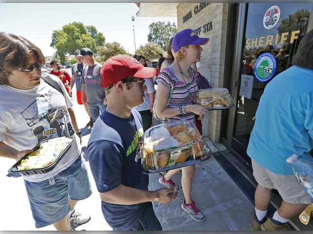 UPDATE: Free lunch and a rally: SCV residents support law enforcement Friday
