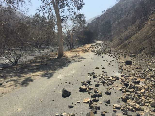 UPDATE: Fire jumps Placerita Canyon Road