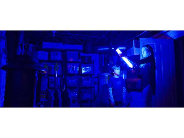 Campy thrills abound in jump scare-heavy 'Lights Out'