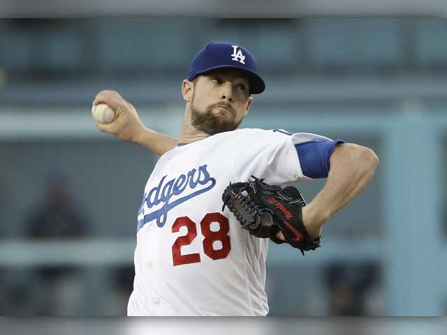 Dodgers hold off Rays 3-2