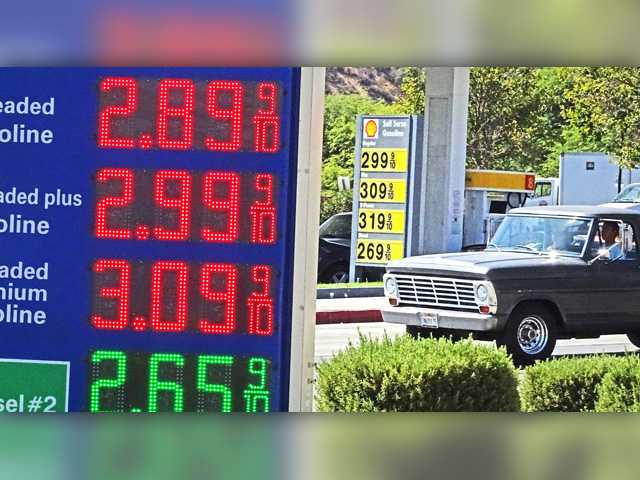 Arco Gas Prices >> Gas Prices Falling In California