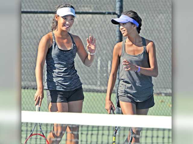 Foothill fall sports preview: Girls tennis, football, girls golf