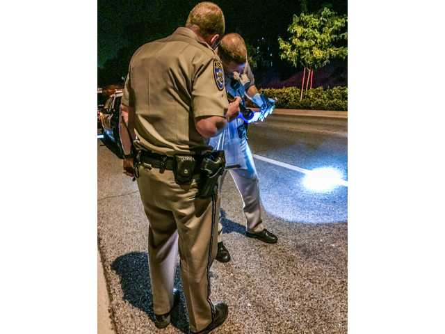 Gun tossed out of window during SCV police chase